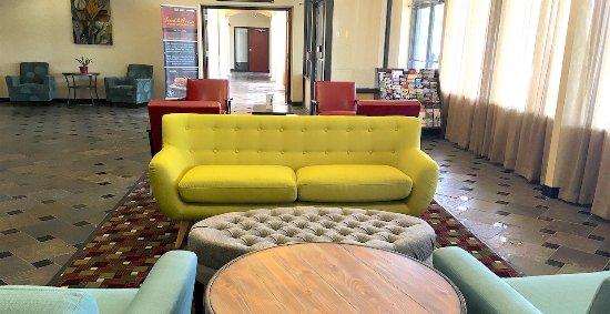 Ramada Levittown Bucks County : Welcome Lobby