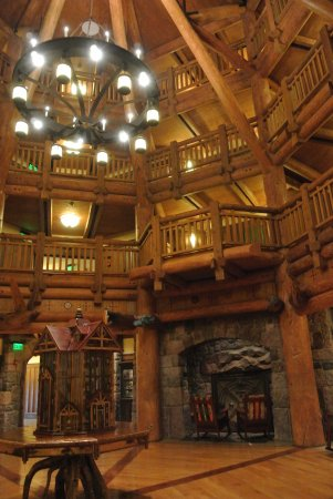 Villas at Disney's Wilderness Lodge: Villas lobby