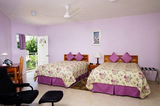Rondel Village : Garden room