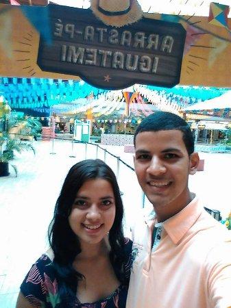 Shopping Center Iguatemi Fortaleza: local lindo do chão espelhado ao teto