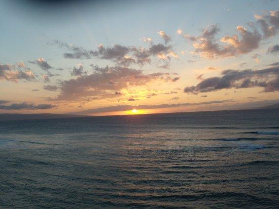 Kahana Beach Resort: Sunset