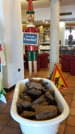 Etruscan Chocohotel: 20160626_103912_large.jpg