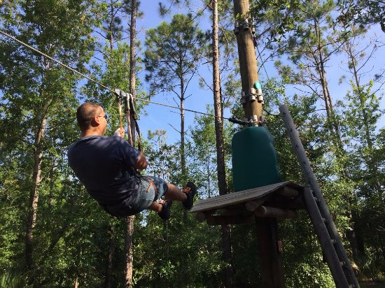 Kissimmee, FL: Enjoy the breeze on the multiple zip lines!
