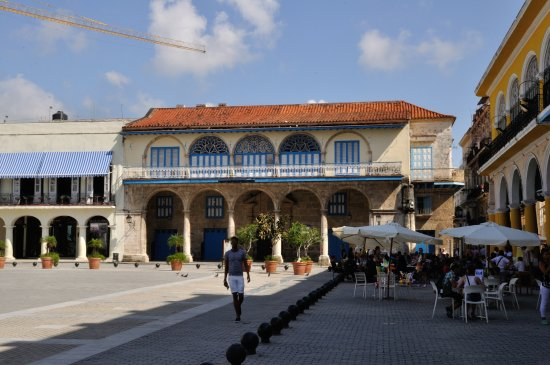 Place Vieille (Plaza Vieja) : piazza vecchia