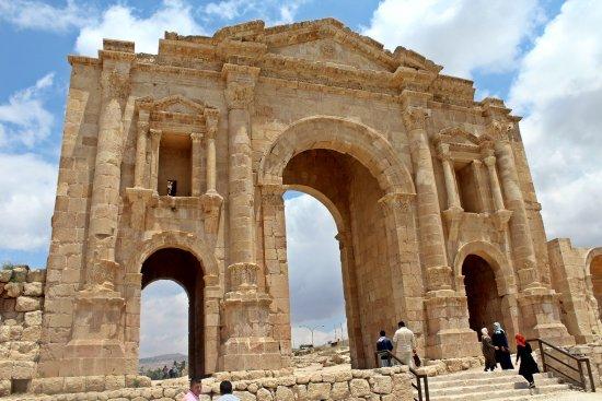 Ruiny Dżarasz: Hadrian's Arch