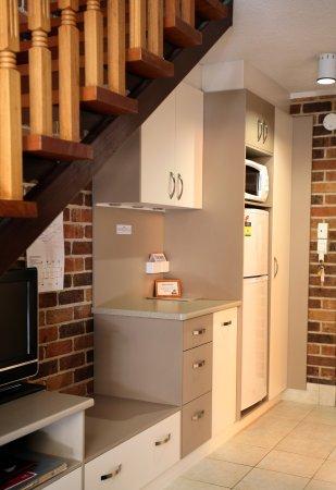 Yatala, Australia: Family room kitchenette