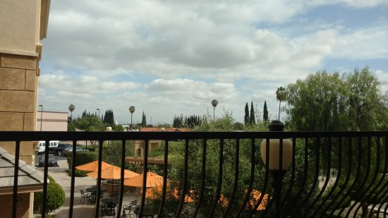 Ayres Hotel Chino Hills Photo