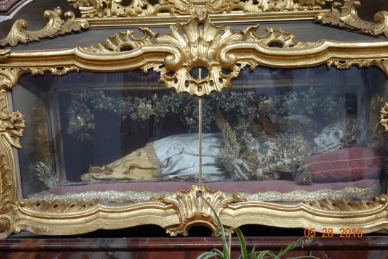 Engelhartszell, Austria: tribute to a deceased church member?