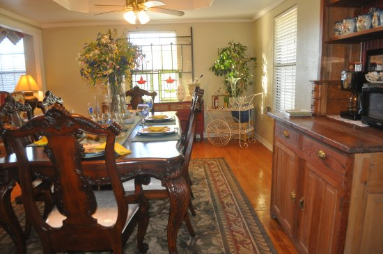 Llano, TX: Dining Room