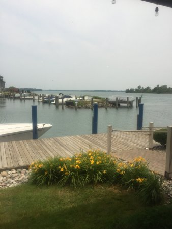 Wyandotte, ميتشجان: View from the bar