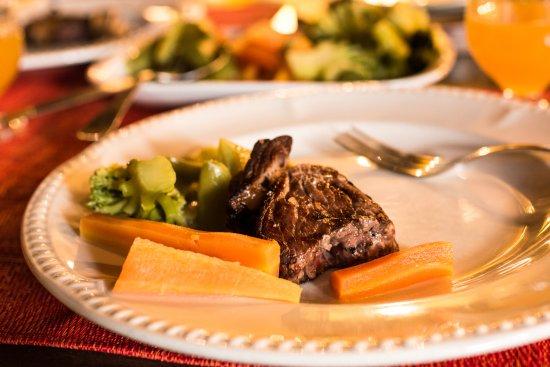 Casa de Abrigo do Poiso: warzywa gotowane oraz kawałek wołowiny z rusztu