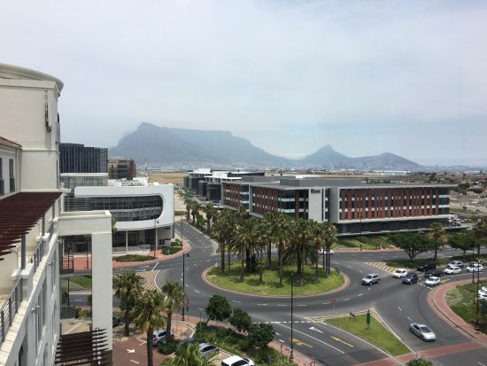 Colosseum Luxury Hotel: Table Mountain on a clear day