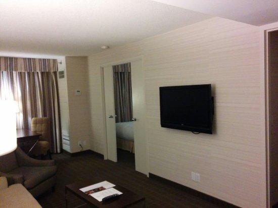 Cambridge Suites Toronto: IMG_20160621_215011_large.jpg