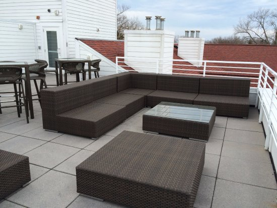 Marina Grand Resort: Roof deck