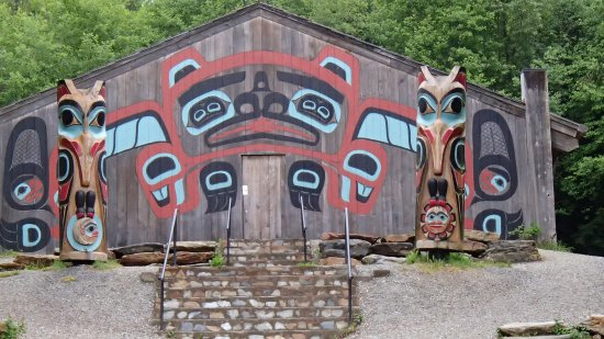 Saxman Native Village : Saxman Totem House