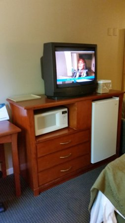 "Modesto, CA: ""Flat screen TV"" in ""remodeled"" room."
