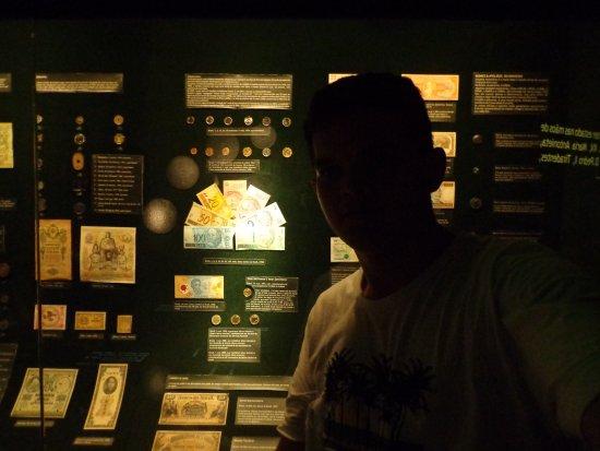 Centro Cultural Banco do Brasil: amostras de cédulas