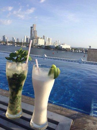 Allure Chocolat Hotel By Karisma Hotels & Resorts: Serviço na piscina