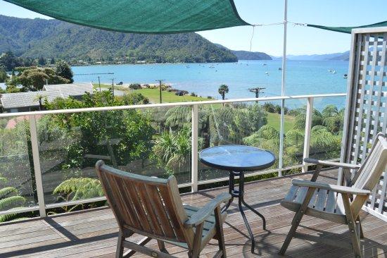 Anakiwa, Nueva Zelanda: view from upstairs deck