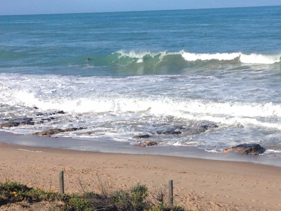 Port Elliot, Australia: Waves that are surfable