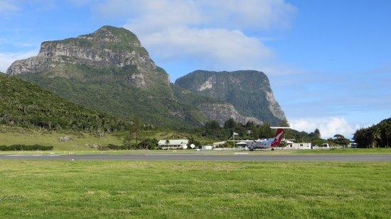 Capella Lodge: Airport