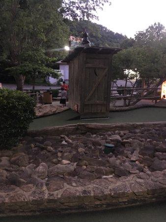 Ripley's Davy Crockett Mini Golf Picture
