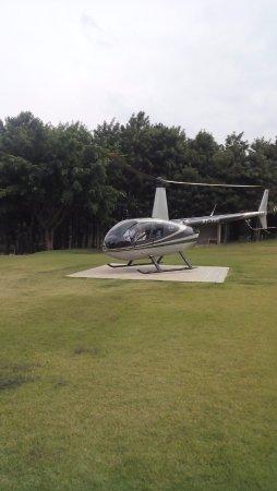 Itu, SP: Helicóptero para fazer o passeio - Parque Maeda