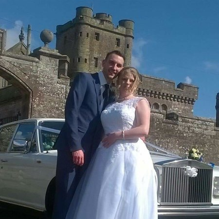 Lockerbie, UK: I reviewed hoddom castle 2 years ago and said we hoped to have our wedding photo here well 2 yea