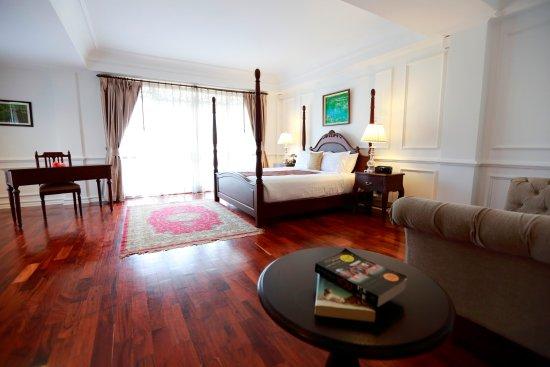 Dhavara Hotel