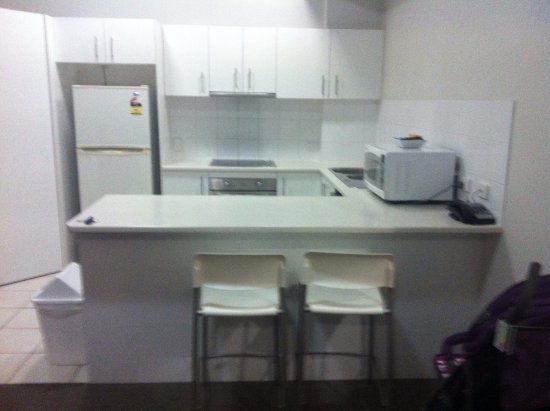 Parkview Apartments : kitchen with utensils
