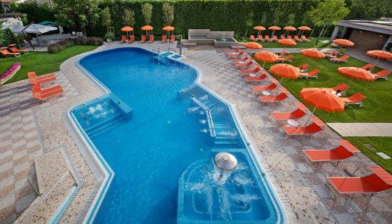Hotel Eliseo Terme: piscina e giardino