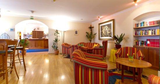 Seebockenhotel Zum Weissen Hirschen: Foyer und Rezeption