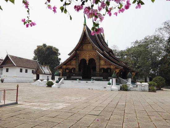 Tempel van de Gouden Stad (Wat Xieng Thong): Main temple