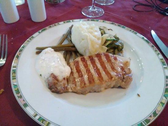 Razac-sur-l'Isle, France : Repas du midi tous compris 19€
