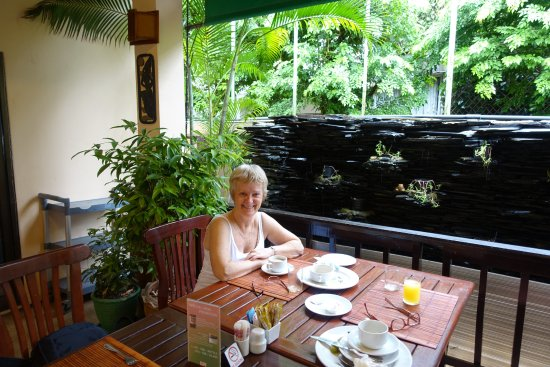 Karon Sea Sands Resort & Spa: The breakfast dining area