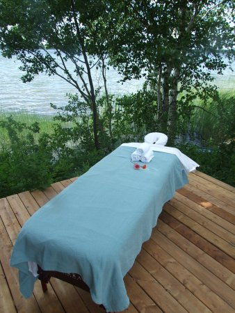 AWAY in the County: Massages available lakefront at AWAY!