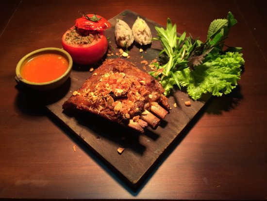 Porte D'Annam Restaurant: Pork Ribs lacquered