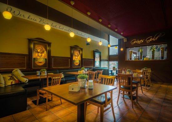 Wolnzach, Jerman: Bar mit über 100 Biersorten aus aller Welt