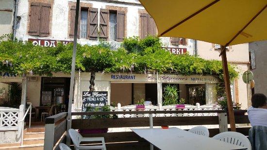 Fronton, France: Les glycines