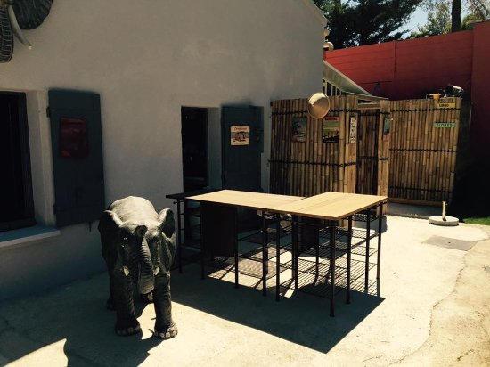 bar exterieur picture of le gazebo cheval blanc tripadvisor. Black Bedroom Furniture Sets. Home Design Ideas