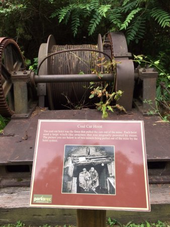 Coal Mining Heritage Park: Old mining equipment