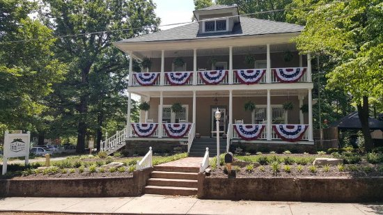 The Inn Around The Corner: Patriotic Celebrations!