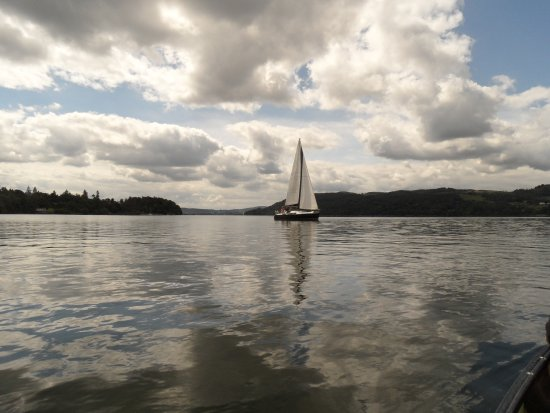 Bowness-on-Windermere, UK: Moody clouds