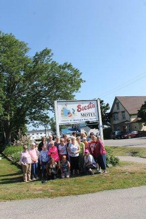 Siesta Motel: Happy travellers