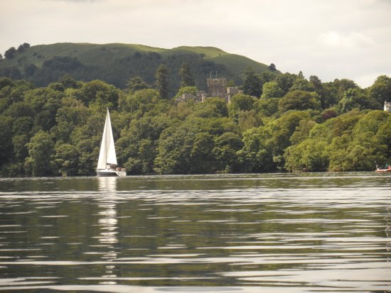 Bowness-on-Windermere, UK: Wray castle