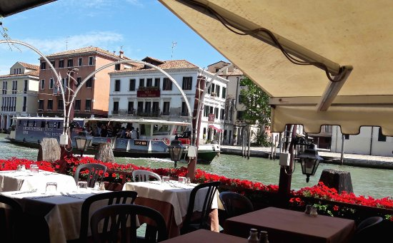 Hotel Continental Venice : View of Grand canal from the restaurant.