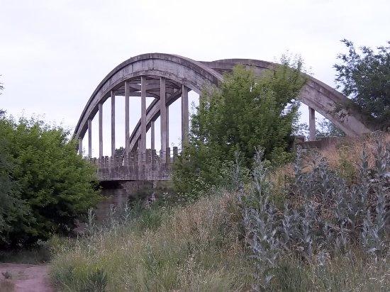 Viejo puente de una hermosa estructura opiniones sobre for Que hacer en sierra de la ventana