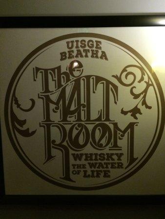 Finnigan's Wake Irish Pub: photo0.jpg