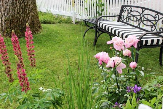Garden Wall Inn Bild