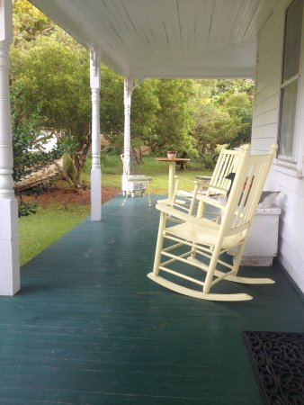 The back porch at Crews Inn B&B